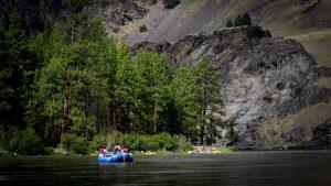 la-trb-idaho-bourbon-salmon-river-rafting-2015-001